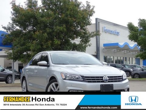 Pre-Owned 2017 Volkswagen Passat 1.8T SE w/Technology